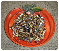 Halloween candy bowl.jpg